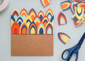 Mural de recados com retalhos de papel